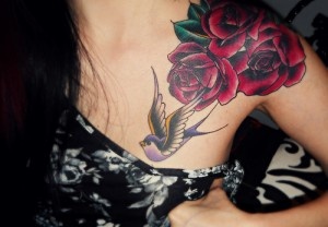 Cute Hummingbird flower shoulder tattoo