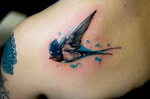 Cool Bird Tattoo on Shoulder